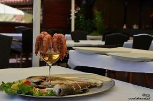 Danie w jednej z restauracji na starówce w Ulcinij