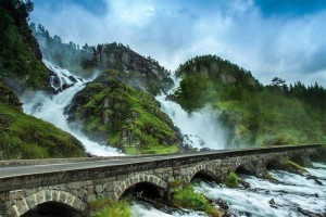 Norwegia Wodospad Latefossen 3